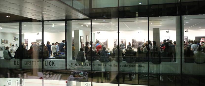 12.000 Besucher*innen / die Ausstellung in den Medien